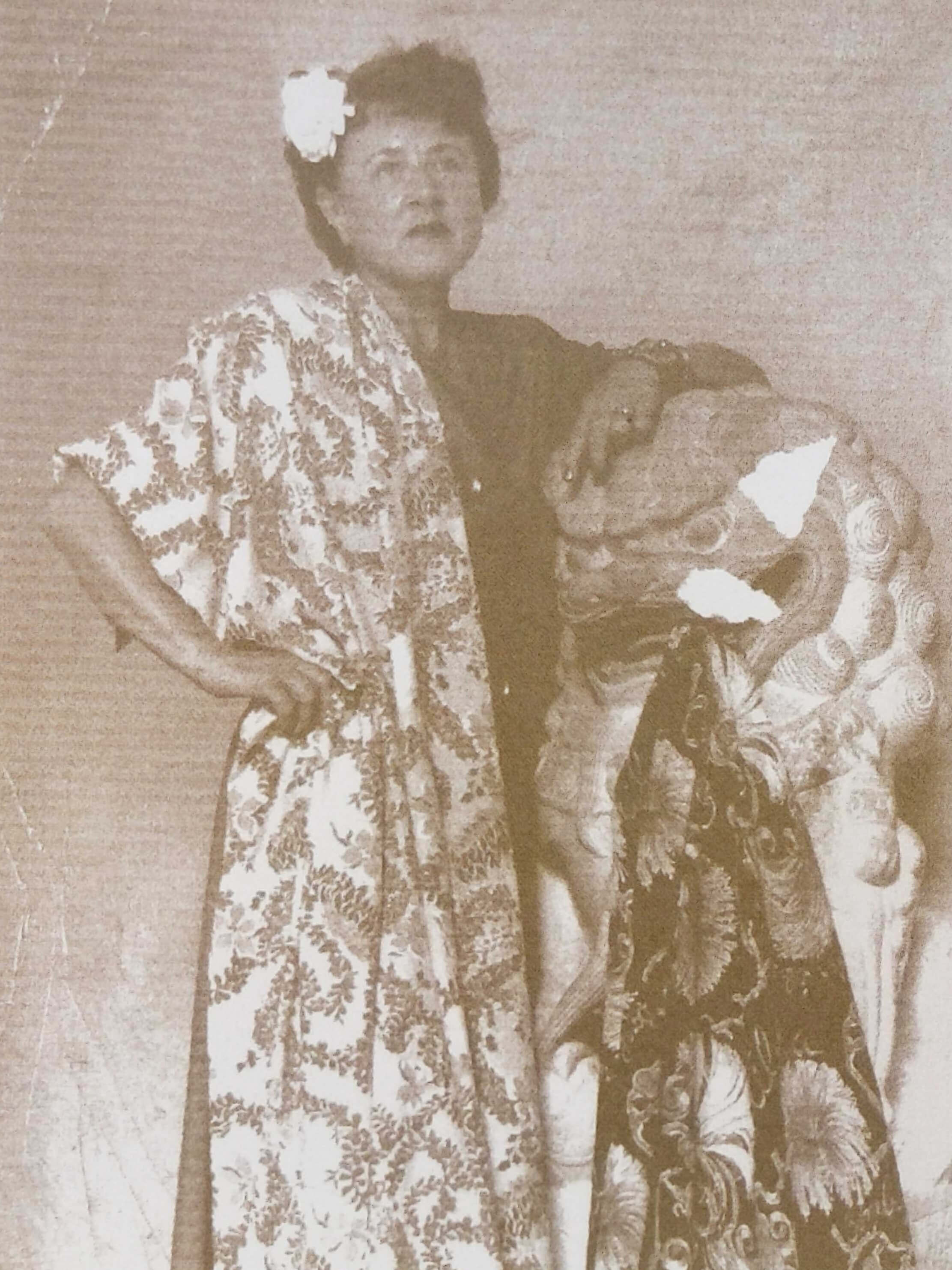 "Designer Vera Stone Cook, with her bombax print fabric on the right. Image: Hope, ""The Aloha Shirt"""